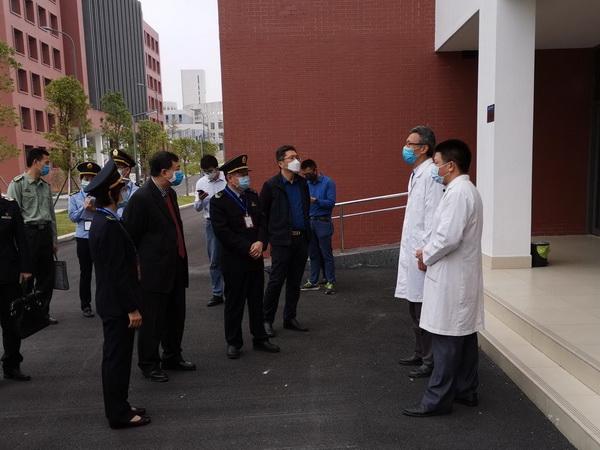 省市区卫生监督所三级联动检查我校卫生与疫情防控工作