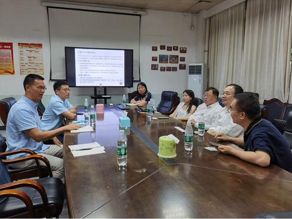 香港互联立方有限公司一行到访交通与土木建筑学院洽谈产学研合作事宜