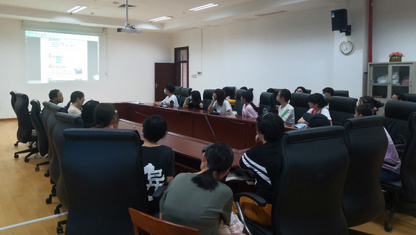 图书馆召开新学期勤工助学学生培训会