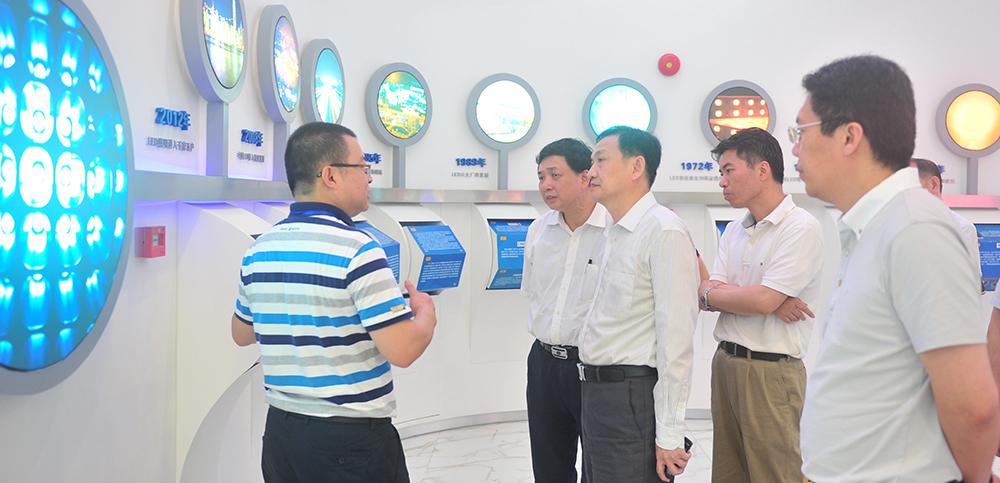 (概况1)张大良司长考察半导体光学工程学院