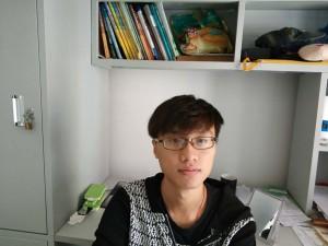 20150330114何俊浩 生活照1